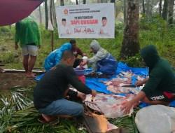 Gerindra dan Relawan ASR Konkep Bagikan Daging Kurban