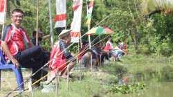 Lomba mancing mania dalam memeriahkan peringatan HUT RI ke- 76 di kolam ikan Rutan Unaaha. (Foto: Ist)