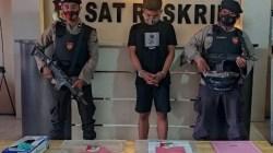 Pelaku pemalsuan PCR Mahasiswa diamankan polisi, (Foto: Riswan/SULTRAKINI.COM)