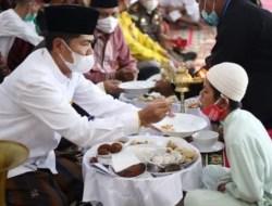 Pemda Buton Beri Makan Anak Yatim