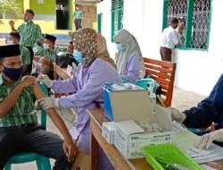 Puluhan Santri Ikut Vaksinasi, Kapolres Baubau: Kalau Santri Sehat, Negara Kuat