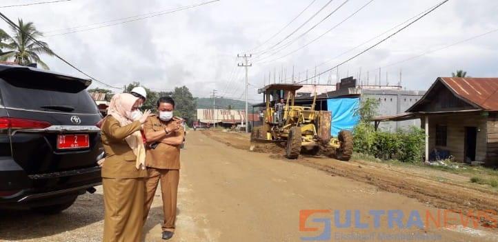 Kabar Gembira, Pemda Koltim Mulai Lakukan Perbaikan Jalan di Ladongi