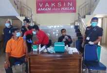 Peringati HUT Bhayangkara ke 75, Polres Kolut Gelar Vaksinasi