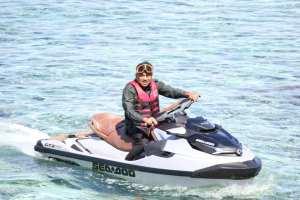 Gubernur Olly Seberangi Lautan Bagi Sembako ke Warga Tiga Pulau di Manado