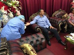 Ikuti Prosedur, Menteri KKP Langsung Rapid Test saat Sampai di Bandara Samrat