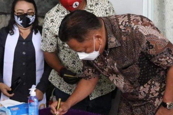 Gubernur Olly Resmikan Pastori GMIM Sobat Kristus Malalayang