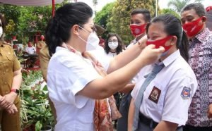 Putuskan Mata Rantai Covid-19, TP PKK Sulut Bagikan Masker ke Sekolah dan Panti Asuhan