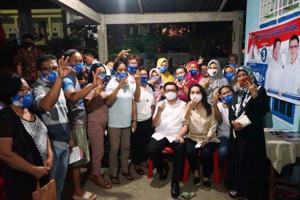 Silaturahmi di Kelurahan Sumompo, MOR Bersama Istri Tercinta Disambut Penuh Sukacita