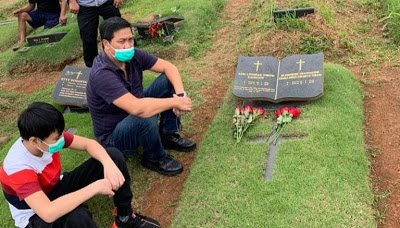 Usai Pilkada, Wagub Kandouw Kunjungi Makam Orang Tua