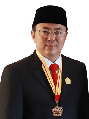 Hebat PDI-P, Andrei Angouw Jadi Walikota Pertama Beragama Konghucu