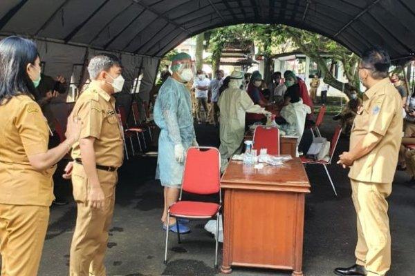 Masuk Kantor Gubernur Sulut Wajib Rapid Test Antigen