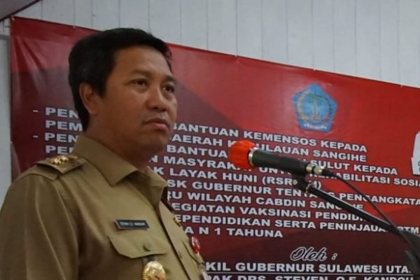 Serahkan SK CPNS Guru, Wagub Kandouw Harap Ciptakan Pemimpin Hebat di Sangihe