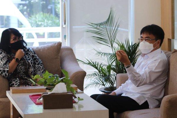 Kunjungi Kejati, Walikota Angouw Temui Ibu Dita Prawitaningsih