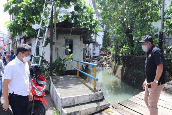 Walikota Manado Kembali Tinjau Drainase dan Anak Sungai di Kecamatan Wenang
