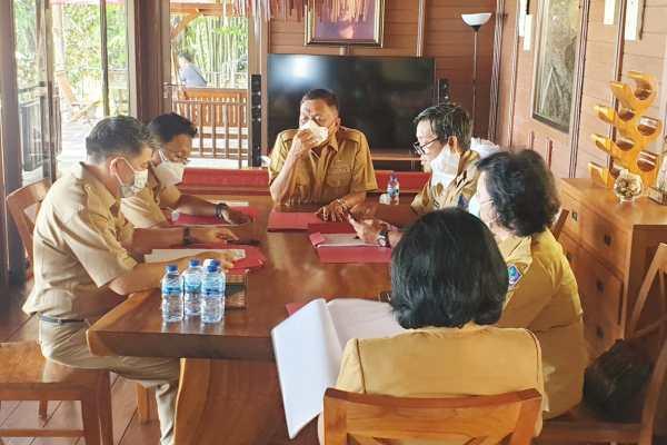 Persiapan Penyusunan KUA-PPAS, Gubernur Olly Pimpin Rapat TAPD