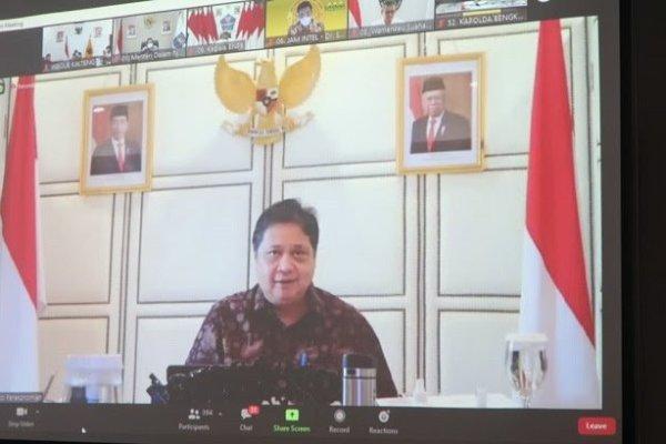 Menko Perekonomian Pimpin Rakorev PPKM serta Monitoring Penanganan Covid-19 di Luar Jawa – Bali