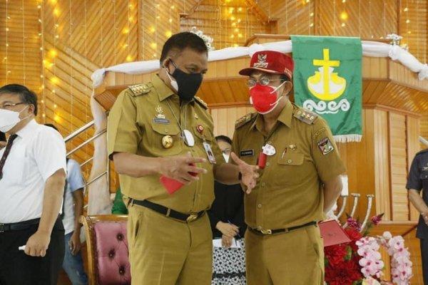Jokowi Hadir Secara Virtual, Gubernur Olly Didampingi Bupati Minahasa dan Forkopimda Sulut Tinjau Vaksinasi Merdeka