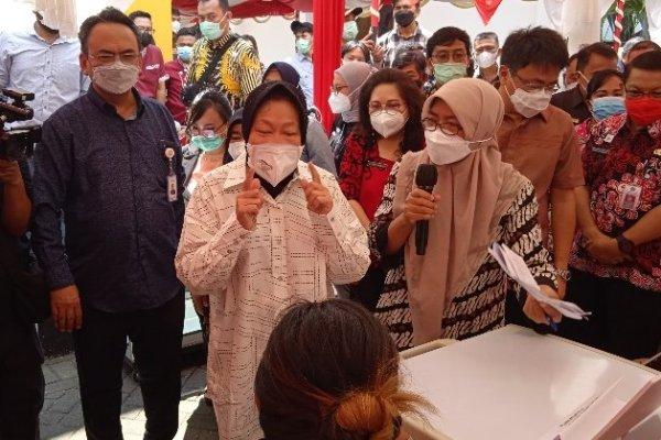 Serahkan Bantuan Anak Yatim/Piatu di Manado, Mensos Risma: Jangan Pernah Menyerah
