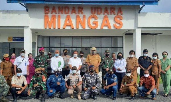 Gubernur Olly Bersama Menteri KP Wahyu Trenggono Kunjungi Pulau Miangas