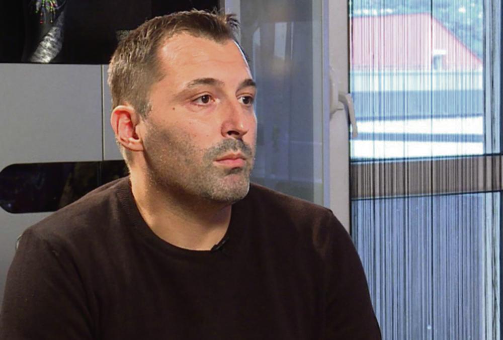 Aleksandar Obradović lažni uzbunjivač