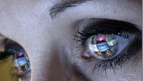 Tu mirada dice tanto que tus pupilas no se dilatan, se delatan