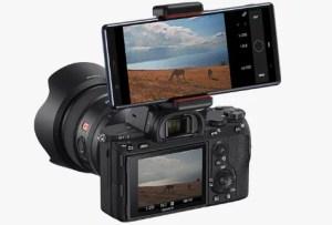 ドコモXperia 5 SO-01Mの本体と一眼レフカメラを連動