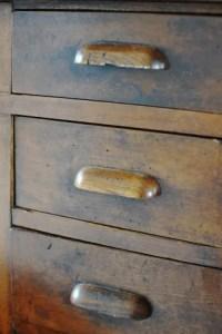 匿名的な家具の図