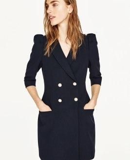 Vestido blazer con botones de perlas de Zara