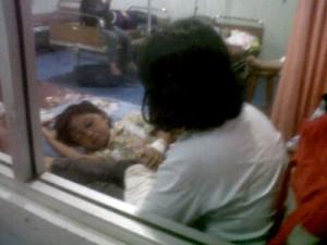 Nabila mendapat perawatan intensif di RSUD Sumedang.