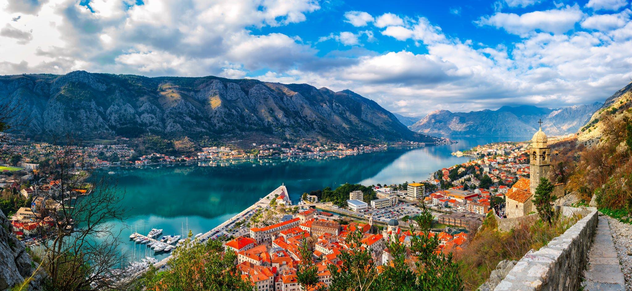 Brudna panorama – światło dzienne | Kotor, Czarnogóra