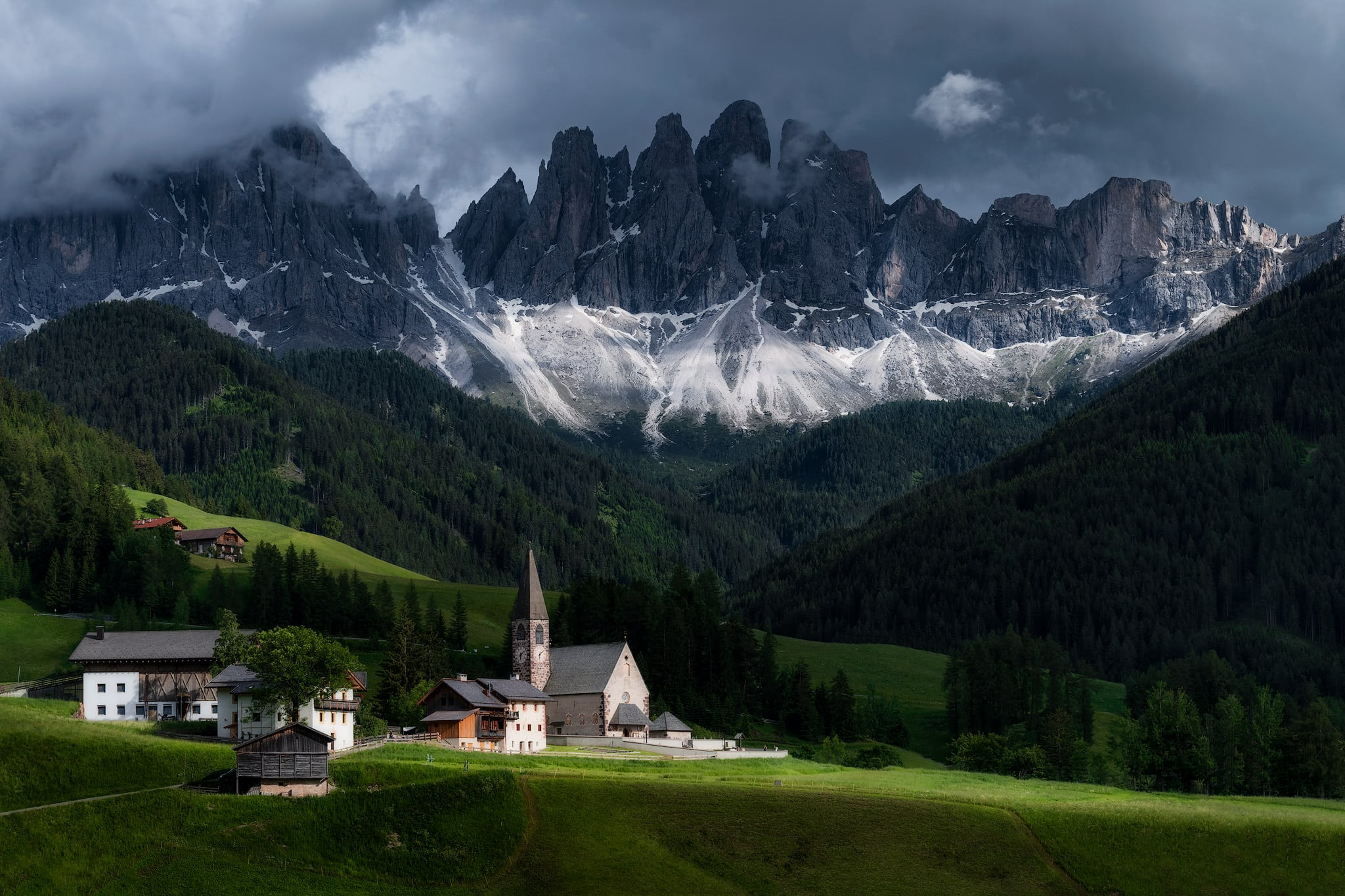 Grupa Santa Maddalena i Odle Mountain | Dolomity, Włochy