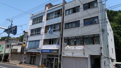 大分県玖珠町の田舎物件 ビル一棟丸ごと! 690万円
