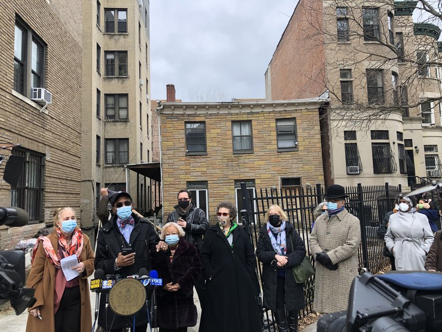 elected officials and activists gathered in Washington Heights last week to call for the landmarking of 875 Riverside Drive, which may or may not have been a stop on the Underground Railroad in the 1850s.