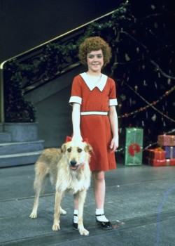 Annie_Broadway_Production_Photo_1977_Andrea McArdle _HR.jpg