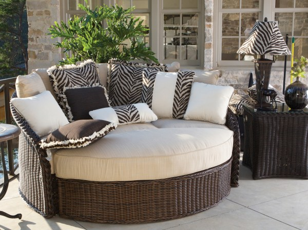 outdoor patio furniture Fall: The Best Season for Entertaining with Outdoor