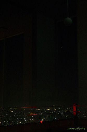 消えた照明と木星(右上)