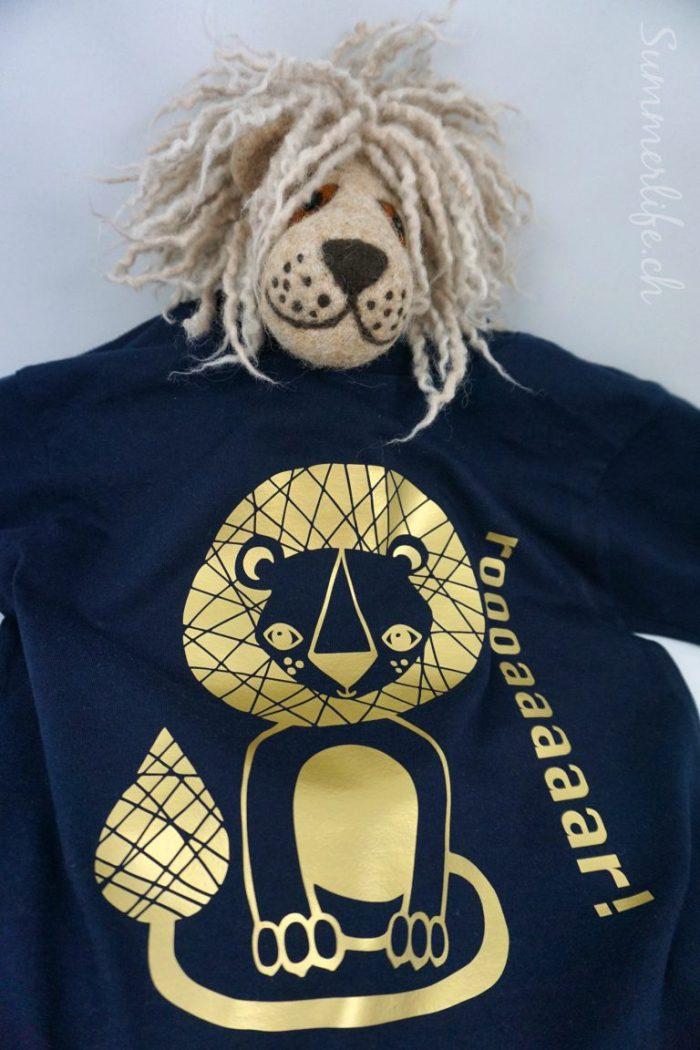 Löwe trägt Leo
