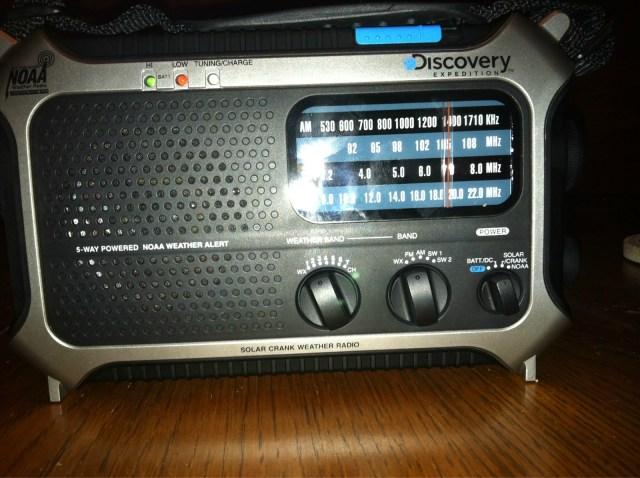 Discovery Expedition D105X AM/FM/SW/NOAA Weather Radio - 5-Way Powered Flashlight USB Port