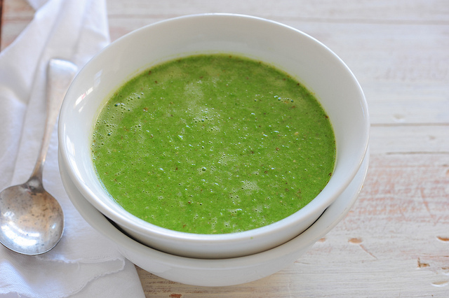 pea pesto soup