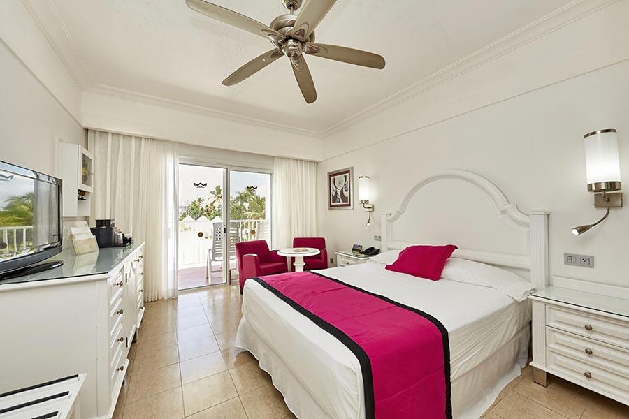 room-suite-riu-palace-macao-3_tcm55-229608
