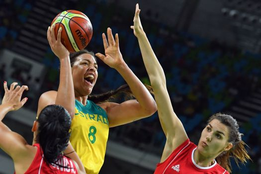 WNBA news: Report: Liz Cambage will return to WNBA in 2018 ...