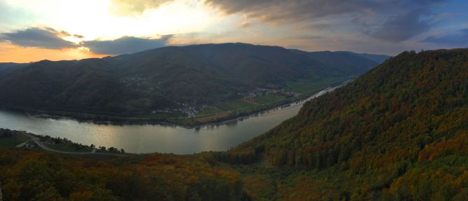 Danube Pano from Aggstein Castle looking across at Willendorf.
