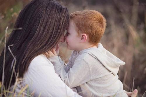 Landen loving on his mother Marissa