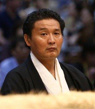 Takanohana oyakata 1