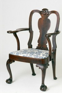 vase-splat back arm chair with shell carving and cabriole legs