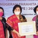 Bupati Karo Raih Bintang Anugerah Parahita Ekapraya