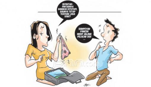 Cari Uang di Tas Suami, Oow... Kok Ada CD Cewek Bermotif Bunga