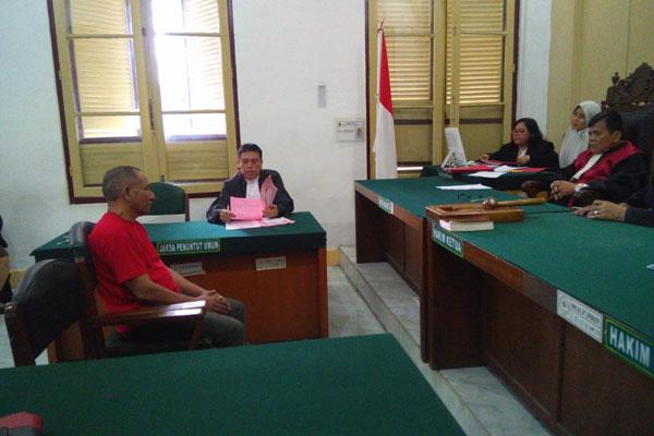 Fazli Syakubat, terdakwa kasus kurir sabu