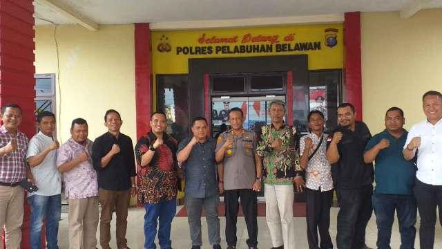 KUNJUNGAN: Badan Pengawas Pemilihan Umum (Bawaslu) Kota Medan perkuat sinergitas dengan berkunjung ke Polres Pelabuhan Belawan.