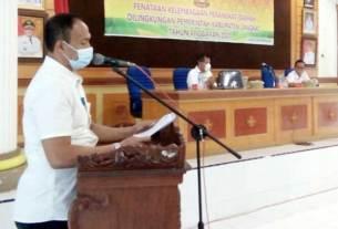 PANITIA: Ketua Panitia HUT ke-75 PMI Sumut, Nona Wahyuni didampingi Sekretaris PMI, Edi Siswanto, Kepala Markas PMI Ade Yudiansyah di PMI Sumut, Selasa (15/9).